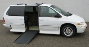 1999-chrysler-town-country-1649