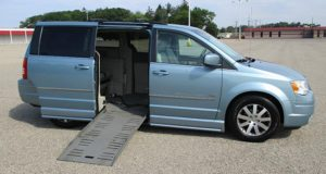 2009-chrysler-town-country_1667