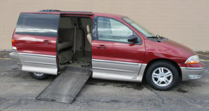 2003-Ford-Windstar_1685