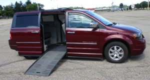 2009-chrysler-town-country_1742